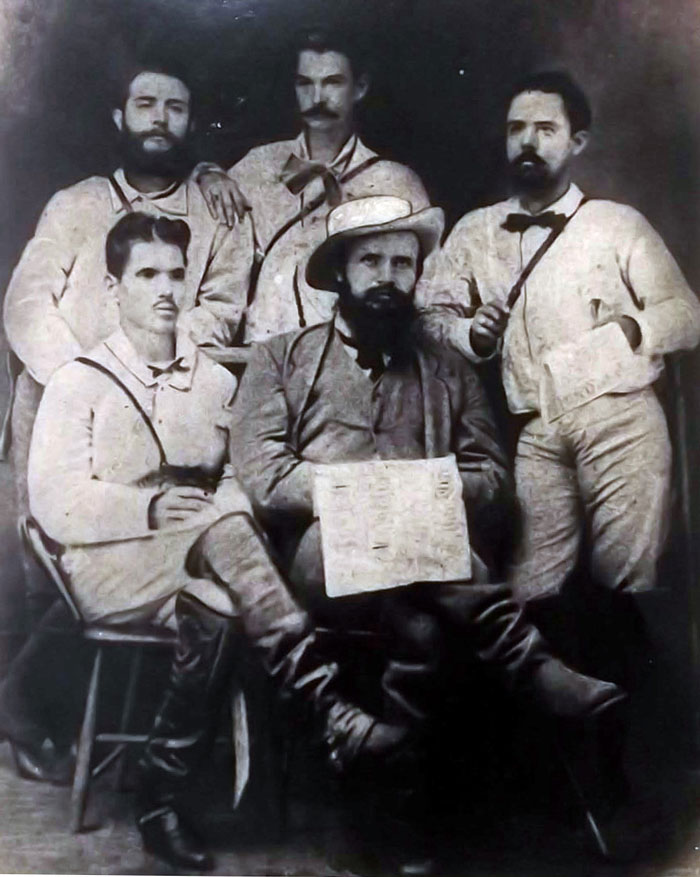 Foto del general Francisco Carrillo.